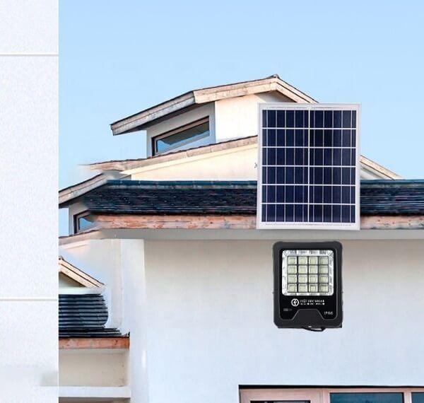 Đèn pha năng lượng mặt trời 300W chống nước chuẩn IP67